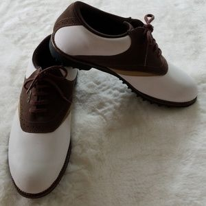 Womans Reebok Golf Shoes Size 6